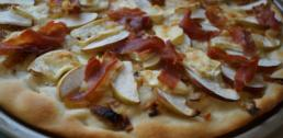 Recipe of the Week - Apple, Brie, and Prosciutto Pizza